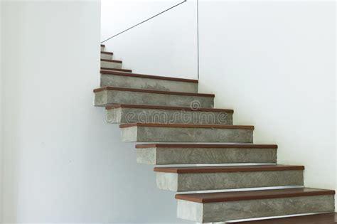 Escaleras Para Interiores De Concreto Barandilla Con