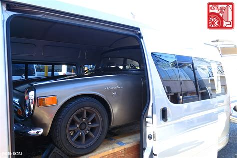 Spion Mobil Hiace H200 Toyota Hiace Berfungsi Sebagai Mobil Towing Untuk