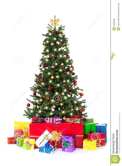 193 rbol de navidad adornado con muchos regalos coloridos
