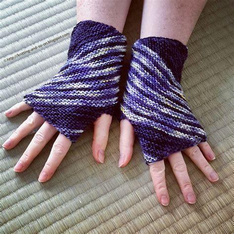 free pattern wrist warmers knitting patterns galore inclination wrist warmers