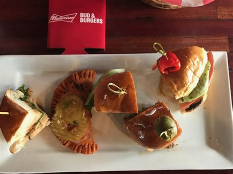 Burgers Popping Up All Fashion Week by What To Expect From Bud And Burgers Pop Up Restaurant In
