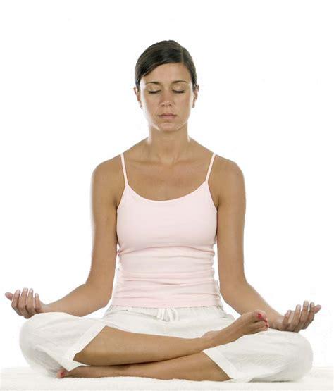 imagenes mujer haciendo yoga yoga 191 en qu 233 se diferencia cada m 233 todo