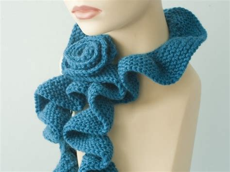 Handmade Scarves Patterns - crochet a scarf crochet a scarf is easy and simple
