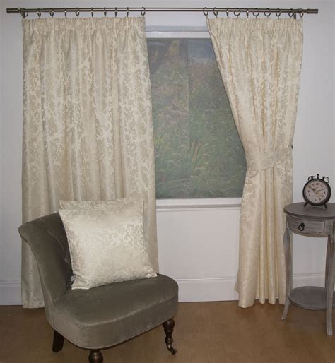 Jacquard Floral Damask Cream Lined Pencil Pleat Curtains
