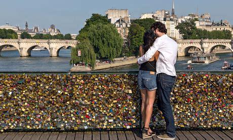 cadenas sur tous les fichiers les cadenas sur le pont des arts moche sur le forum