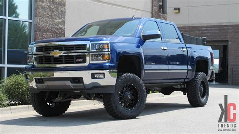 chevy lifted image gallery lifted chevy trucks 2015