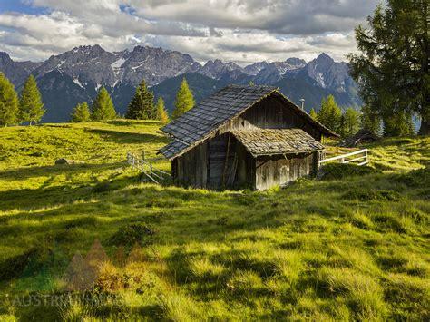 holzhütte alpen austrianimages holzh 252 tte auf der winkleralm lienzer
