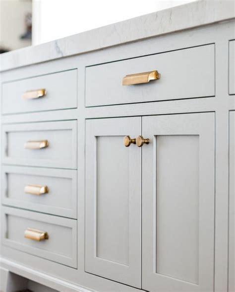 changer les portes de cuisine simple changer les boutons et les poignes avec des pices