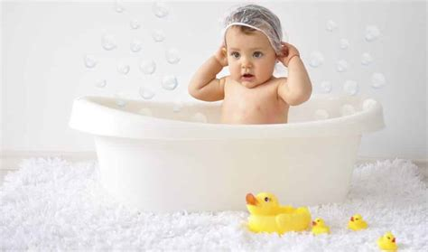 best bathtub for newborn top 5 best infant bathtubs 2018 reviews parentsneed