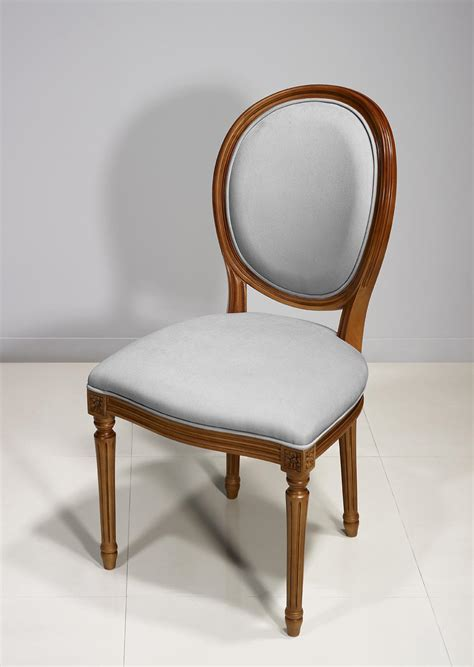 Chaise En Merisier by Chaise Emeline En Merisier Massif De Style Louis Xvi