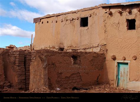 adobe house taos pueblo unesco world heritage site