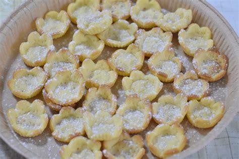 fiori di pasta frolla fiori di pasta frolla ripieni burrofuso