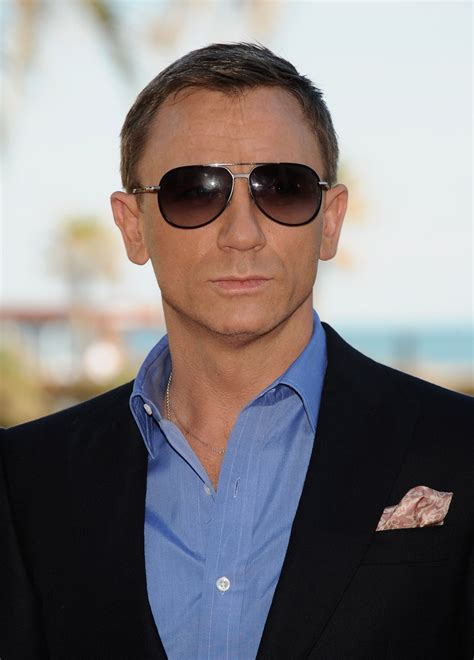 20 excellent pictures of actor daniel craig sheclick com