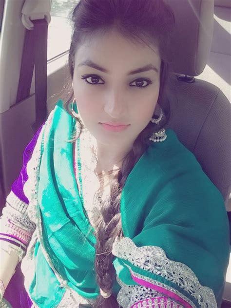 Gal Chakvi Anmol Gagan Maan Anmol Gagan Maan Looking Sweet