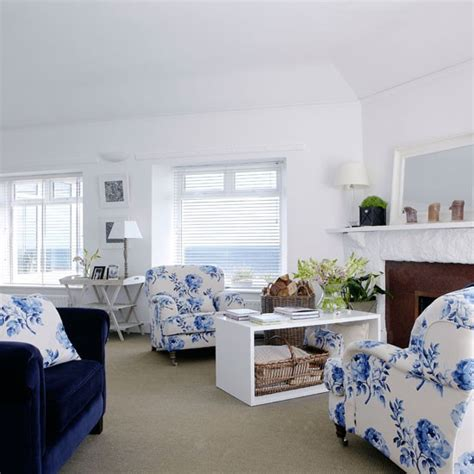 Floral Blue And White Living Room Living Room Decorating by Blue Floral Living Room Summer Living Room Ideas