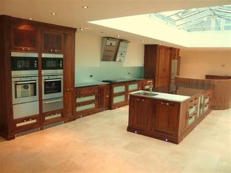 Handmade Kitchens Cornwall - walnut and glass kitchen w spencer interiors