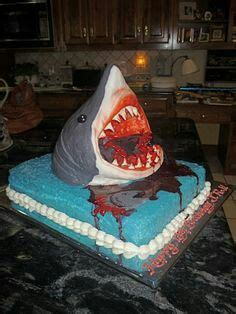 jaws boat cake bloody jaws cake brailey s 9th bday pinterest cake