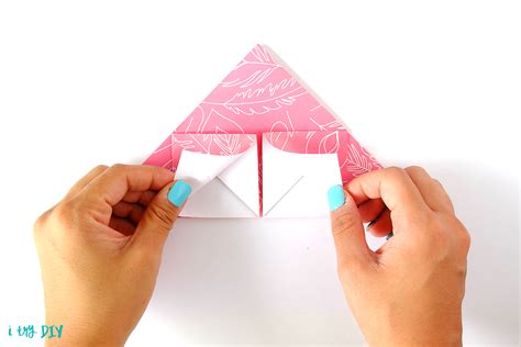 fold envelope how to fold a letter into its own envelope i try diy