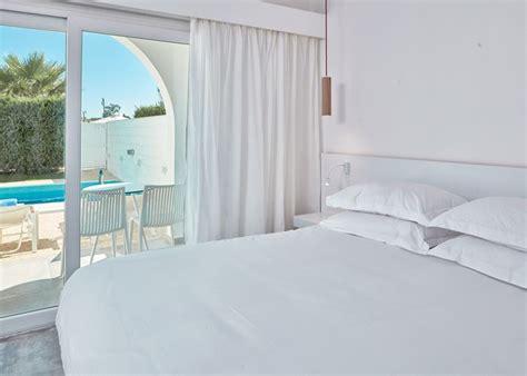 white single bedroom suite atlantica so white club resort atlantica hotels