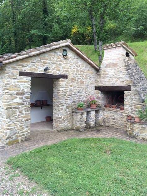giardini di cagna vendita rustico casale pieve di cagna urbino in ottime