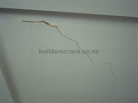 Alte Putz Decke Sanieren by Repair Plaster Ceiling 11203 Builderscrack