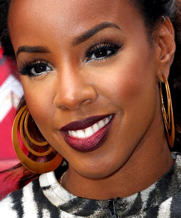 lipstick for dark skin best colors shades orange coral blue try out a bold trend amazing lipstick looks for dark skin