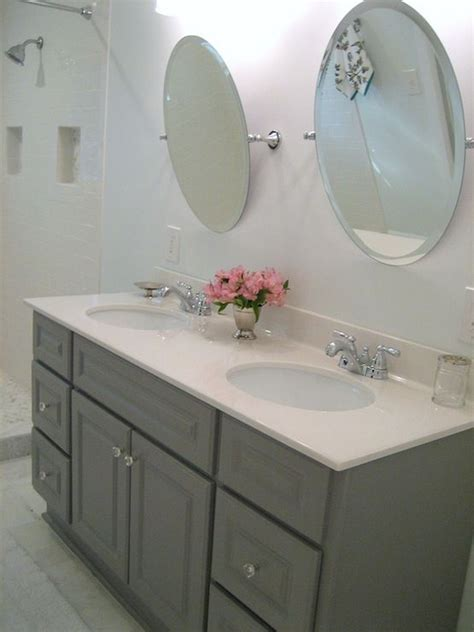 how to clean painted bathroom walls 19 best clean gray bathroom images on pinterest gray