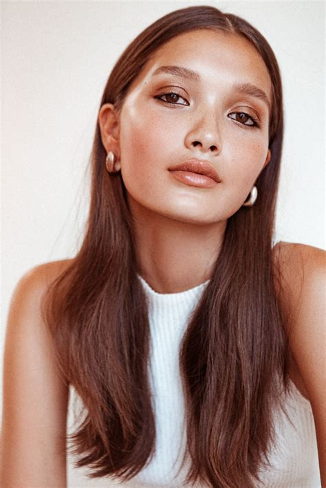 women hair by ears snapshot yada villaret by tom newton for into the gloss