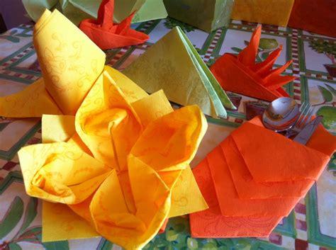 Forme Tovaglioli Di Stoffa by Tovaglioli Origami Per Le Vostre Cene D Estate Con