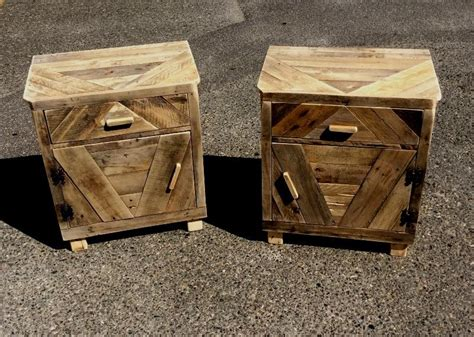 comodini in legno grezzo comodini pallet