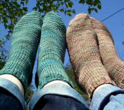 easy knit socks for beginners beginner s knit sock pattern knitting and crocheting