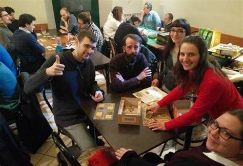 inventare un gioco da tavolo corriere di novara la filatelia si impara a scuola