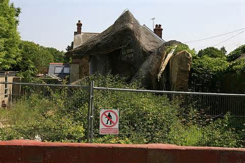 thatched cottage brockenhurst collapsed thatched cottage in south 169 facey