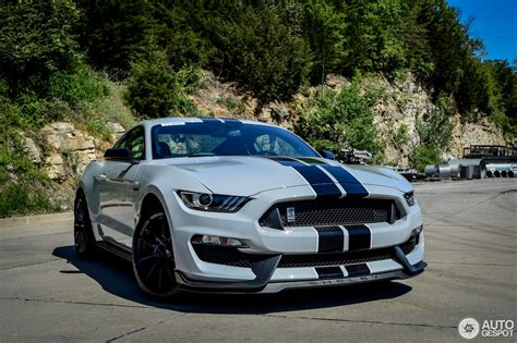 Ford Mustang Shelby 350 by Ford Mustang Shelby Gt 350 2015 15 May 2015 Autogespot