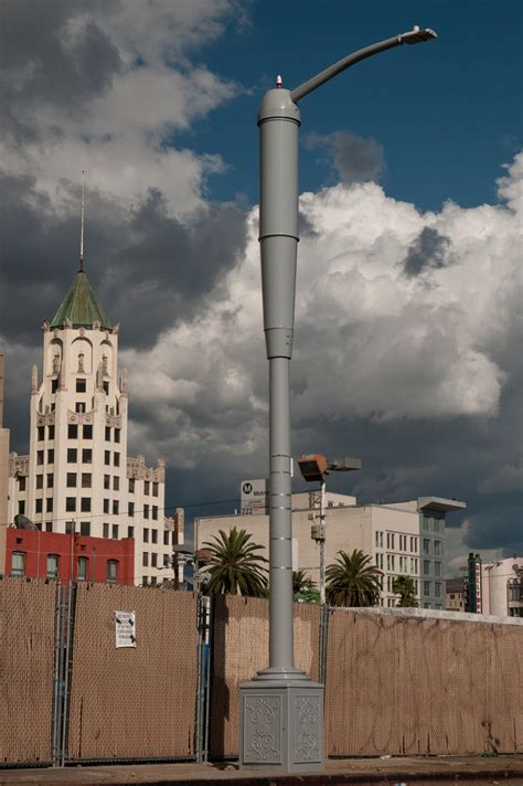 los angeles street lights los angeles deploying 100 street lights that double as