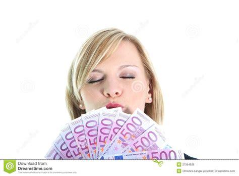 imagenes mujer alegre mujer alegre con 500 notas euro imagen de archivo libre de