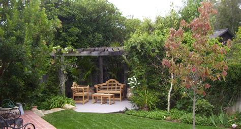 small backyard landscape backyard secret garden ideas