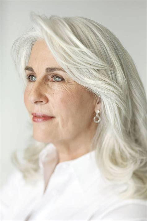 hair color for graying hispanic women 1438 best grey hair images on pinterest grey hair hair