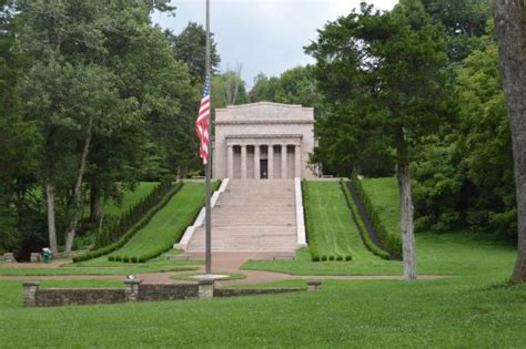 lincoln birthplace memorial log cabin inside the lincoln memorial picture of abraham