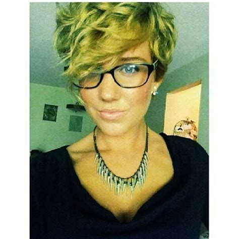 pixie cut curly hair glasses 1045 best short curly hair images on pinterest hair cut