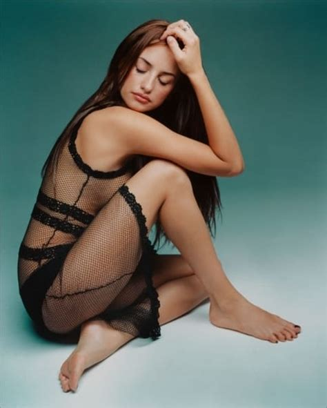 Spanish Vanity Pen 233 Lope Cruz Celebrity Legs Celebrity Legs