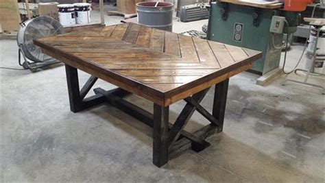 pallet kitchen table diy pallet chevron kitchen table 101 pallets