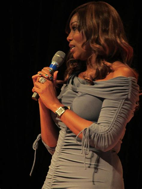 how tall is yolanda celebrity weigh in yolanda adams weight