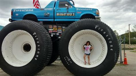 bigfoot 5 truck bigfoot 5 the tallest heaviest and widest truck