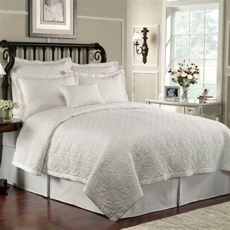 Quilt Comforters How To Choose And Use Quilt Bedding Bedding