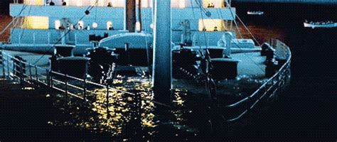 titanic boat sinking gif titanic sinking boat gif find share on giphy