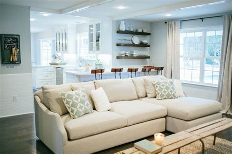 joanna gaines sectional sofas sofa fixer fixer season 4 episode 1 living room the