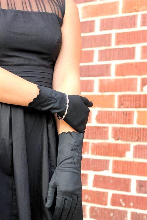 iris focused  fashion eshakti    black dress