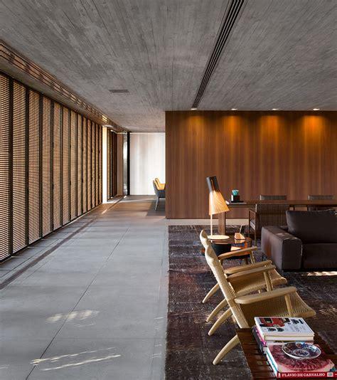 studio mk stacks concrete volumes  form casa p