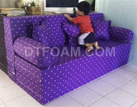 Kasur Kecil sofa bed inoac ungu polkadot nyaman digunakan dtfoam